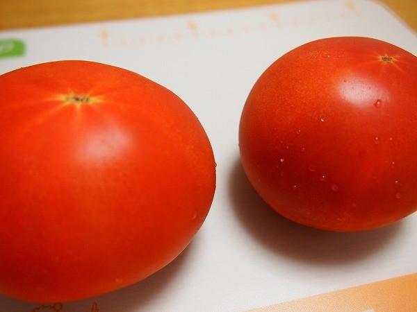 大玉トマトのこの濃い赤色