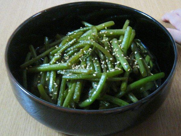 サツマイモの茎の炒めもの